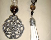 Pendulum- Crystal with Triquetra