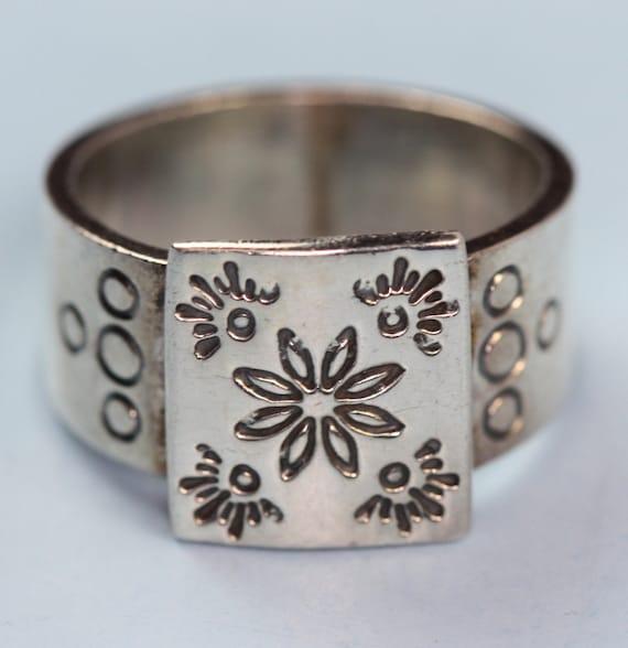 Vintage Sterling Floral Ring  Modernist Design