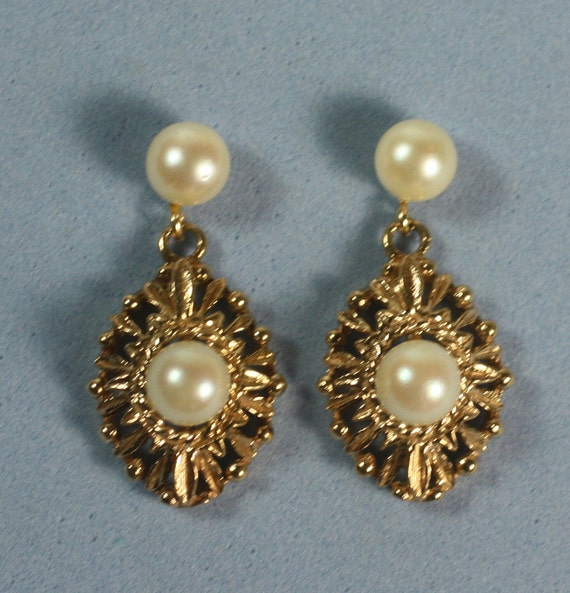 14K Cultured Pearl Earrings Vintage 14K Gold Dangle Posts for Pierced Ears