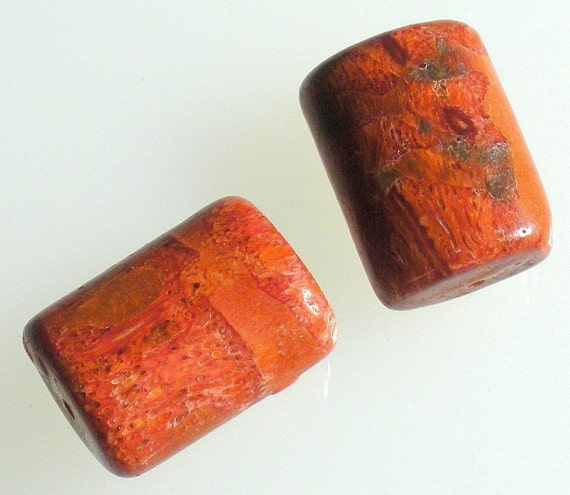 2 RED SPONGE CORAL Smooth Puffed Rectangless approx 13x18mm