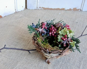 Holiday Birds Nest with Dried Flowers / Bird Lover Gift / Woodland Decor
