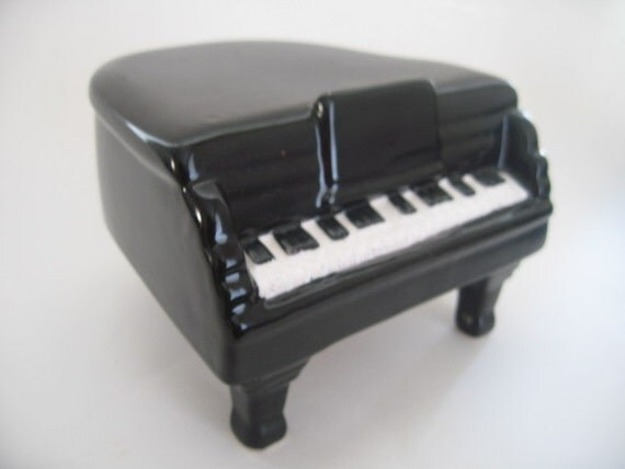 Vintage Black Baby Grand Piano Porcelain Music Box-Made in Taiwan