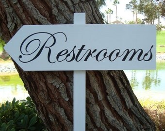 ReSTRoomS SiGn - DiReCTioNaL WeDDiNg SiGnS -  CLaSSiC StyLe - Custom Wedding Arrow SIGNS - 4ft Stake - NO Distressing
