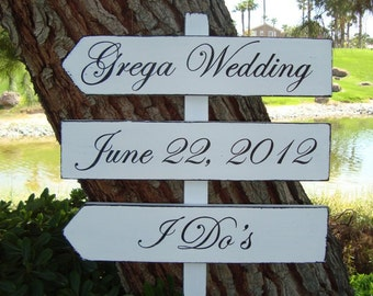Wedding Sign - I Do'S Sign - DiReCTioNaL WeDDiNg SiGnS - CLaSSiC STyLe - Custom Wedding SIGNS - Classic Wedding Sign - 4ft Stake