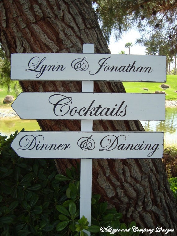 Wedding Sign - DiNNeR DaNcinG Sign - CoCKTaiLs Sign - ClaSSic STyLe LeTTeRiNg - DiReCTioNaL WeDDiNg SiGnS - Custom Wedding SIGNS - 4ft Stake