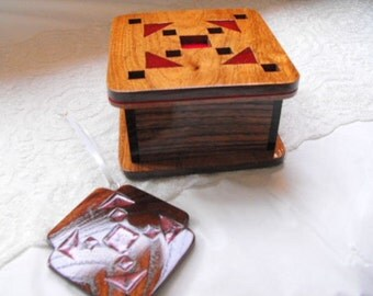Quilt Box With Ornament