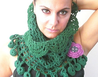 circle scarf  Hooded Scarf  crocheted cowl Womens Scarf   Birthday Gift  Hand Knit  Green Chunky  Cowl   Fall Winter Accessories
