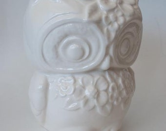 Ms. Lola Vintage Owl Planter with Flowers