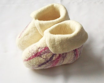 Felted kids booties-felt wool slippers-kids slippers- baby booties-felted slippers-natural slippers-felted white booties- Handmade to Order
