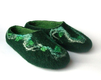 Felted slippers-wool slippers-house shoes-felt wool slippers-handmade wool slippers-men slippers-women slippers-green-Valentine day gift