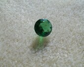 8mm Green Round Cubic Zirconia Point Back Stone