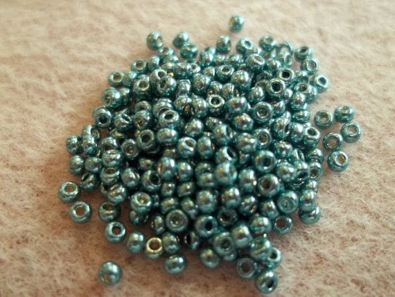 11 0 duracoat galvanized sea foam seed bead by