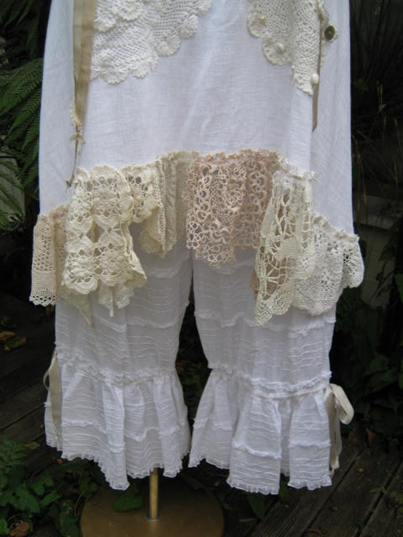 FRENCH ruffle BLOOMERS.... vintage kitty..white cotton, pin tucks, ruffles, lace,  ribbon, shabby chic. med - XL