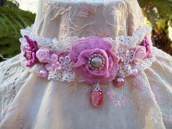 Vintage Kitty.. charming shabby chic velvet choker.. pearls, crystals, headband, roses, dusky pink and cream.. ooak