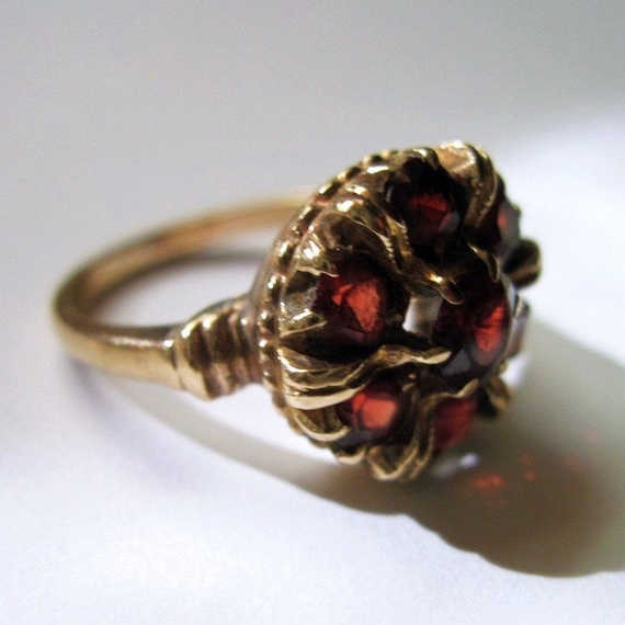 RESERVED For S -Vintage Garnet Ring 10KT Yellow Gold Size 6.5  Red Crown Like Setting