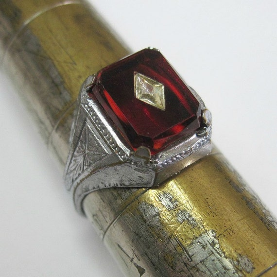 Art Deco Ring Vintage 1930s Blood Red Celluloid Stone Size 9.5 Costume Ring Men's