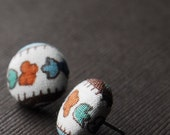 Retro Button Earrings -- babblingbrookes