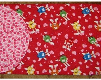 M and Ms Reversible Table Runner Valentine Theme