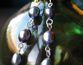 Silver and graphite grey cultured pearl earrings