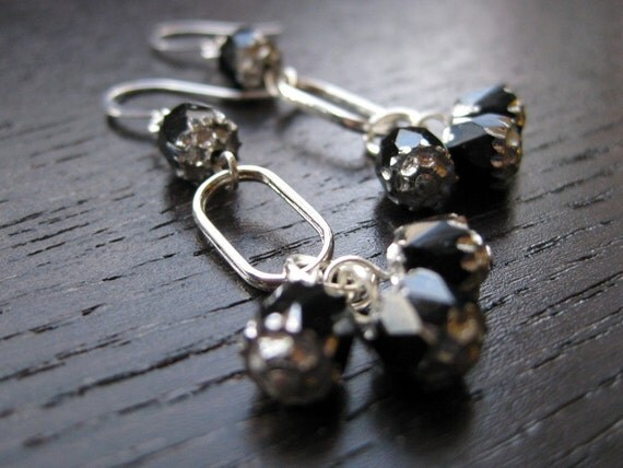 Silver-plated and noir cathedral bead earrings
