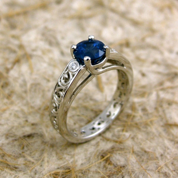 Items similar to Blue Sapphire Engagement Ring in Platinum Lucida Style Setti