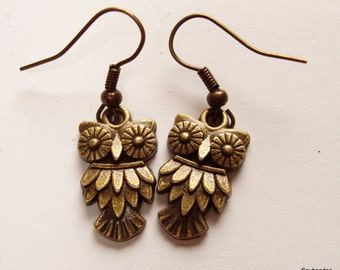Antique Bronze Dangly Owl earrings
