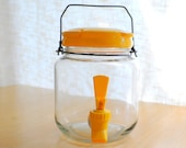 small glass iced tea jug - mod yellow with spout and lid