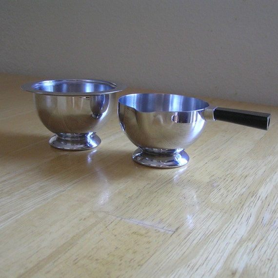 1930s chase cream and sugar set with bakelite handle