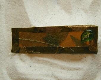 Green Leaf Natural Fiber Pin
