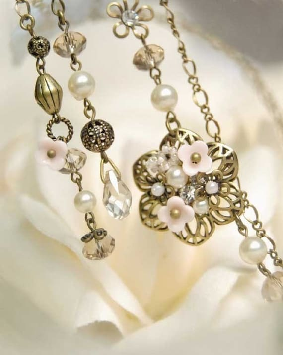 Rosabelle - Necklace. Floral Lariat. Victorian styled.
