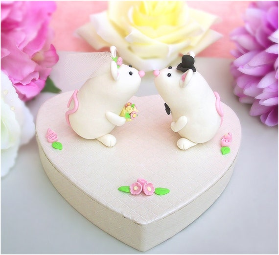 Cute, unique mice wedding cake toppers with stand