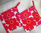 Set of 2 Potholders made of bright and happy Red Mini Unikko fabric, perfect house warming gift