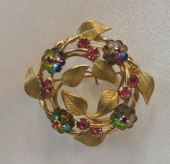1960s Margarita Rhinestones Open Design Gold Plated Floral Wreath Pin