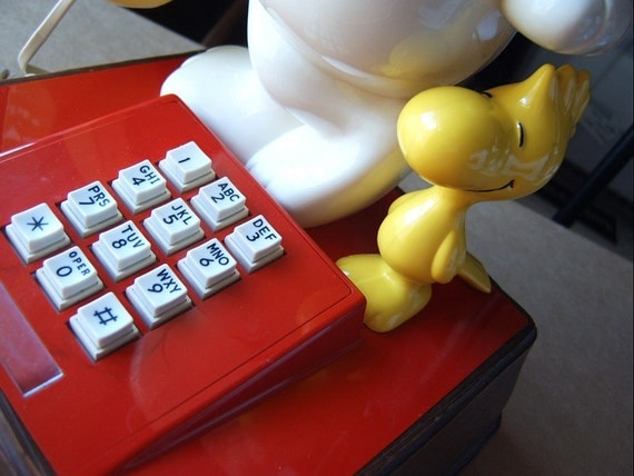 SNooPY and WooDSToCK Push Button Phone