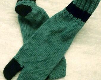 Green and Black Wool Tabi Socks - Medium