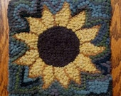 Beginner Primitive   SUNFLOWER    Rug Hooking Kit with cut wool strips  FREE SHIPPING in U.S.