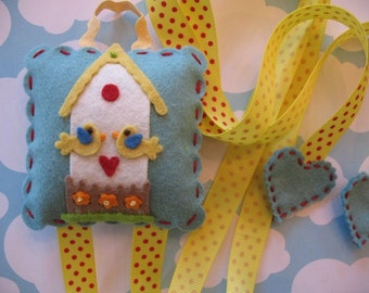 Sweet Little Bird House Hair Clip And Bow Holder