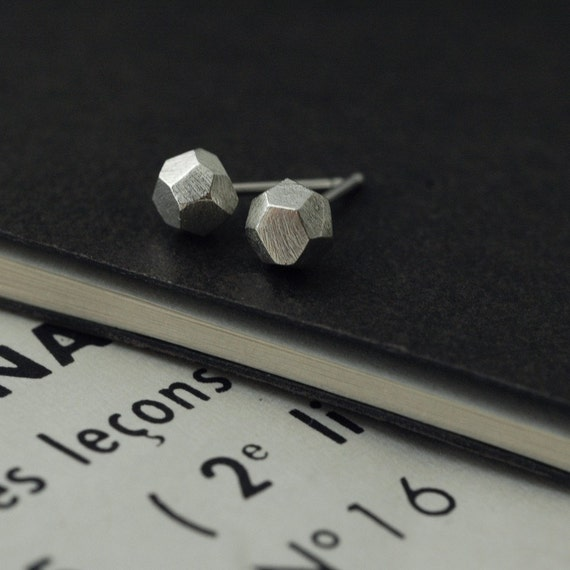 Mini faceted MATT silver studs