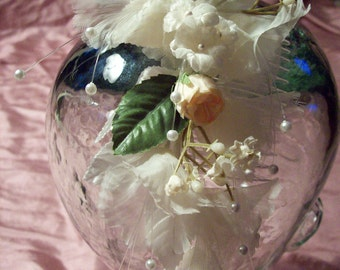 comb of peach organza flowers