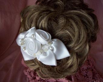 Victorian style rose petal comb