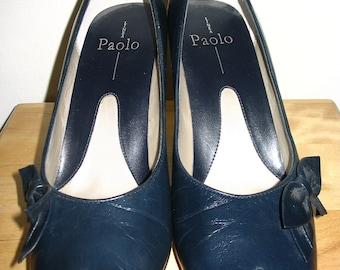 Linea Paolo Blue Leather Bow Front Pumps Size 9M