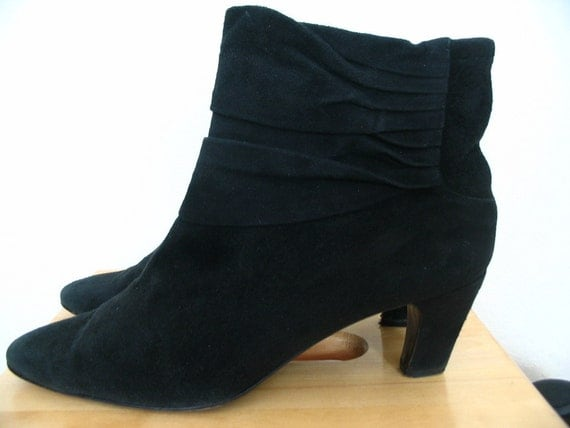 Donna Karan Black Suede Pleated Cuff Ankle Booties Size 8.5 N