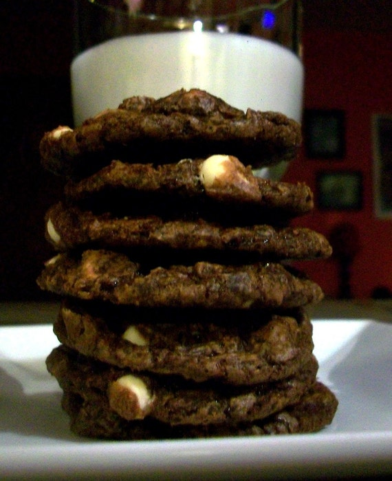 Vegan Chocolate Crackle Cookies with White Chocolate Chips and Dark Chocolate Chips Cookie Gift