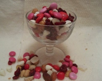 Girls Night Out- Ultimate Trail Mix- A Delight to the Taste Buds-Girls Night Out-Yummy Yummy