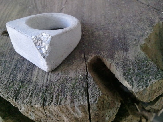 Concrete ring - handmade light gray ring with exposed white corner area chipped  crater like  size  8.5