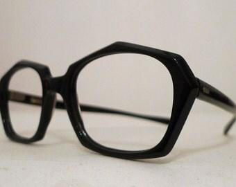 Vintage 70s Mod Black Horn Rimmed Septagon Frames, Expanded Cats Eyeglasses Sunglasses