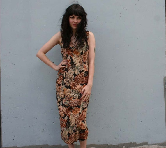 EARTHY ETHNIC Floral 90s Midi Dress, s-m...RESERVED