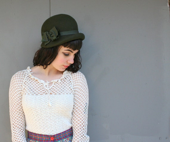 1970s CLOCHE HAT / Deep Olive Green Mod meets 20s Style