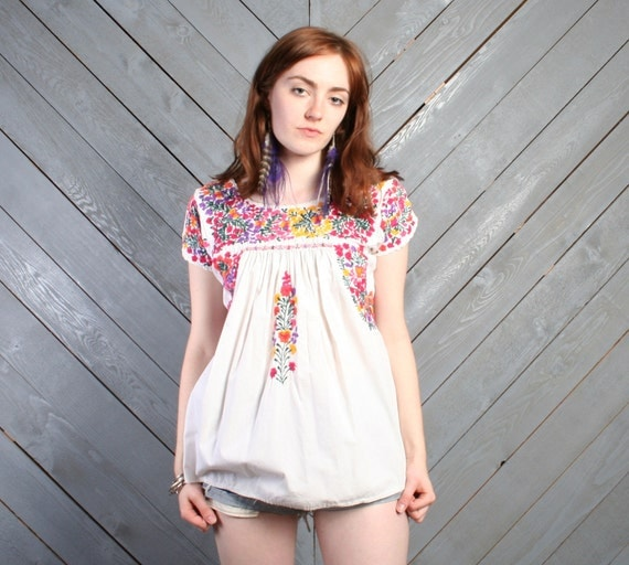 70s OAXACAN TOP / Bright Embroidered White Cotton Mexican Blouse, xs-m