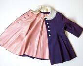 Vintage 1930's Girls Coat Silk  Fancy Buttondown Toddler Overcoat .  Lace Collar .  size 2 - 3